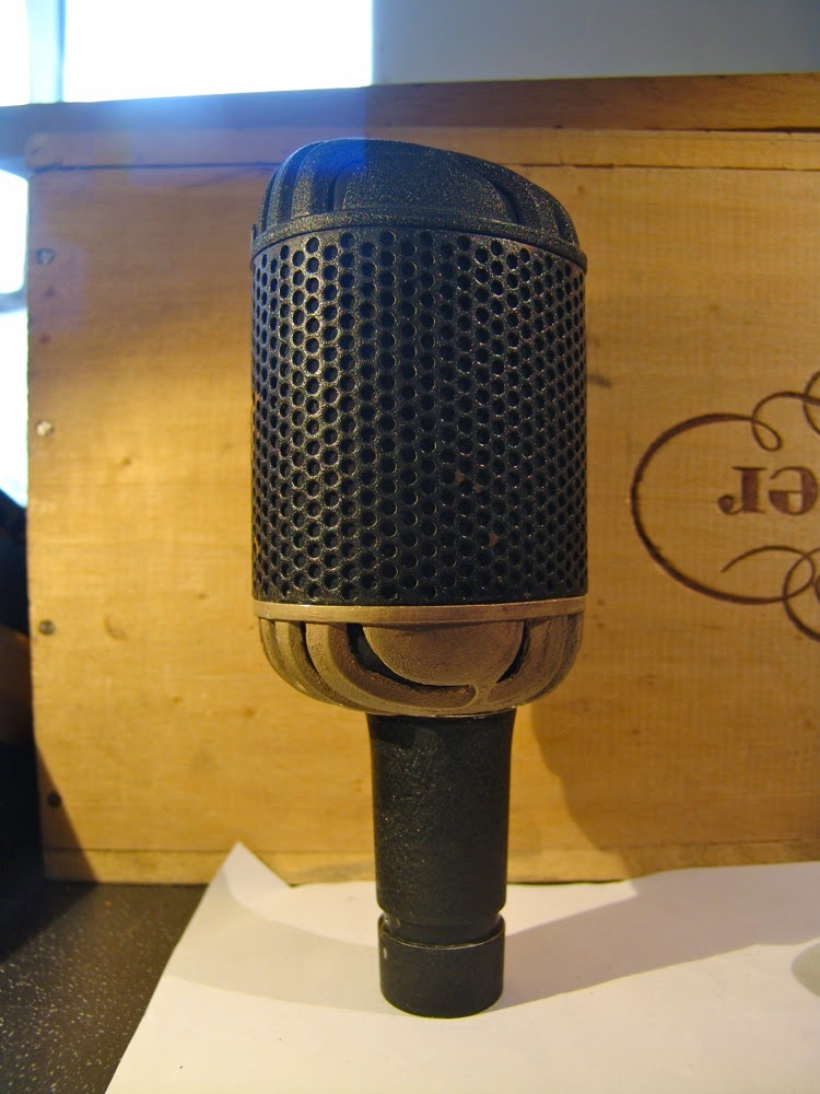 xaudia microphone blog repairing an stc 4033 with a cracked casting. Black Bedroom Furniture Sets. Home Design Ideas