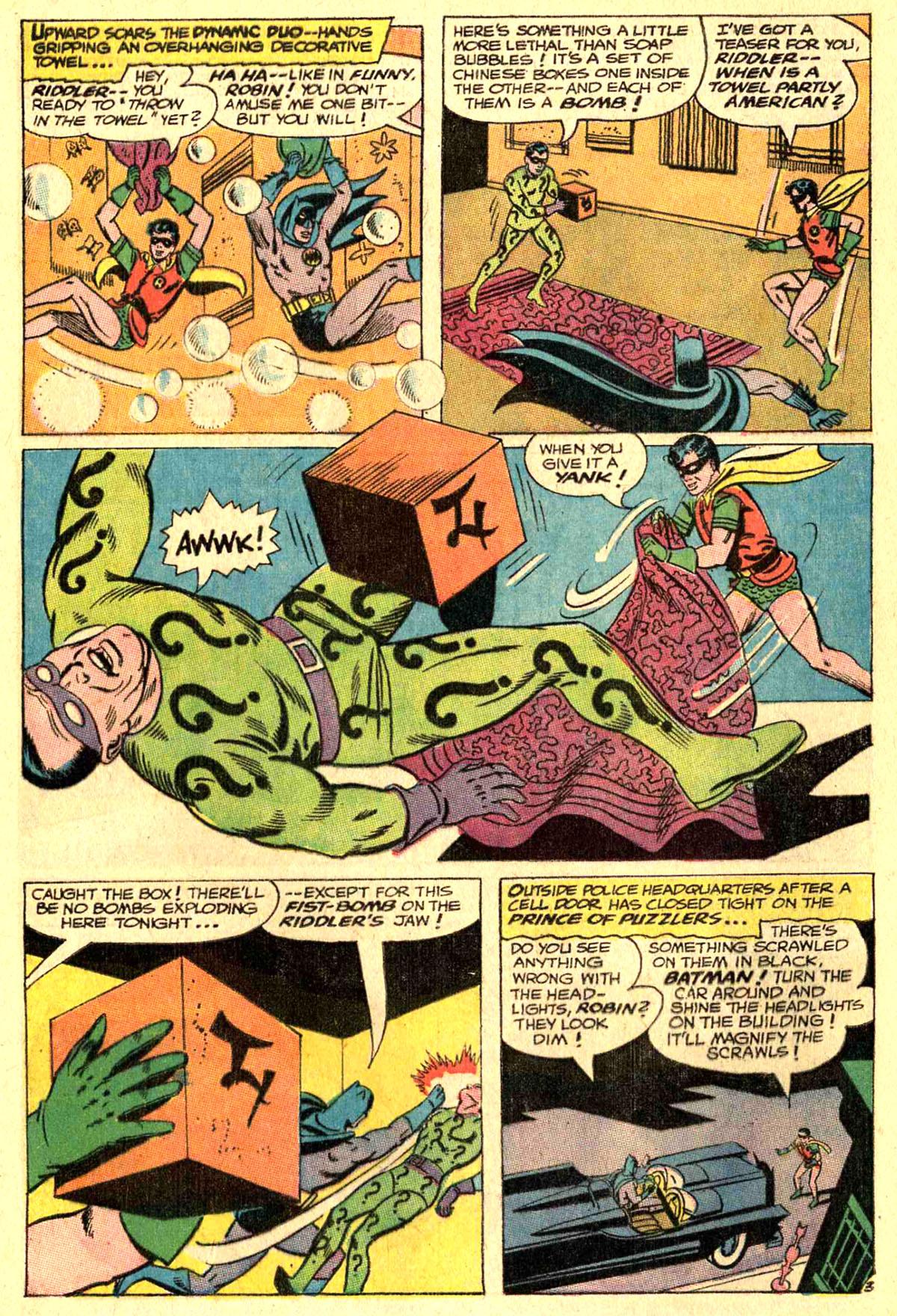 Detective Comics (1937) 364 Page 4