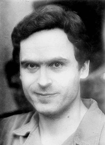 Theodore Robert Bundy atau Ted Bundy pembunuh berdarah dingin