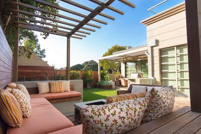 Como decorar patios peque os patios y jardines for Adornos para patios pequenos