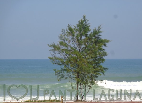 Pantai Laguna Bopong