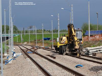 Linia kolejowa do Balic, koparka i platforma