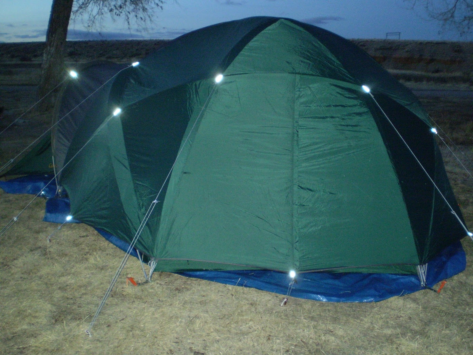 At the top are three mesh roof vents which do not have the option of being closed. & Fly Fishing the West with Howard: Alaskan Guide Model Tent Review ...