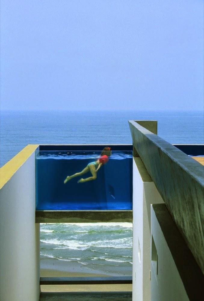 piscina-com-paredes-de-vidro