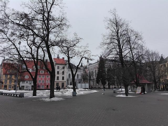 Plaza de Livu (Riga) (@mibaulviajero)
