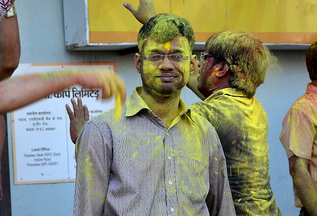 holi, holi celebration,2016 holi, holi khandwa, lokesh, lokesh carpenter, bhourasa,