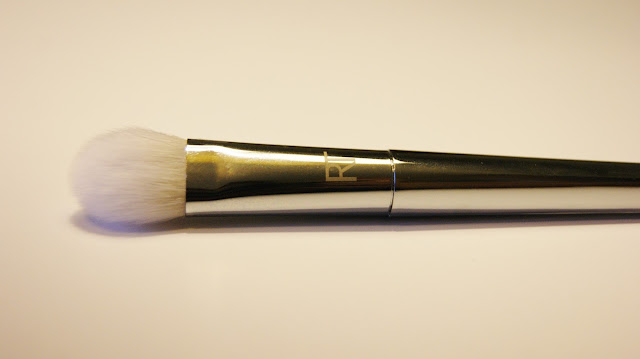 Real Techniques Bold Metals 200 Oval Shadow Brush Handle