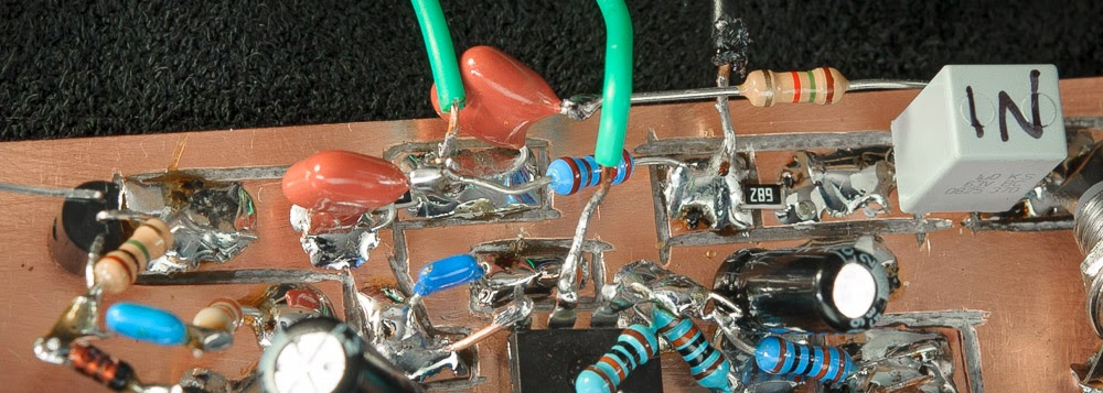 A close up of the tone and mute circuitry