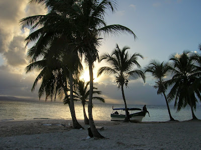 Atardecer Guna Yala, San Andrés, Panamá, round the world, La vuelta al mundo de Asun y Ricardo, mundoporlibre.com