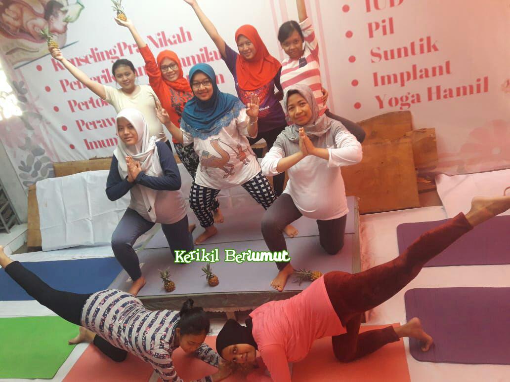Prenatal Yoga bersama Bidan Ima di Jember