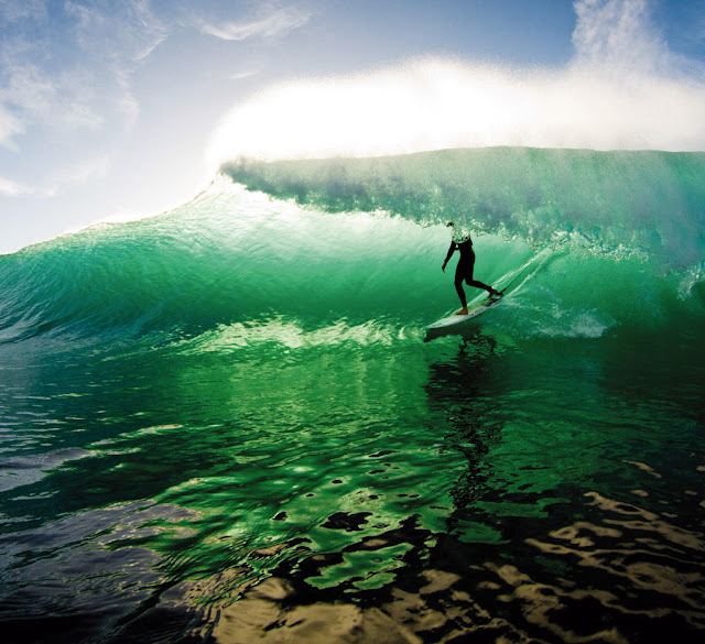 14 Cool Surfing Wallpapers