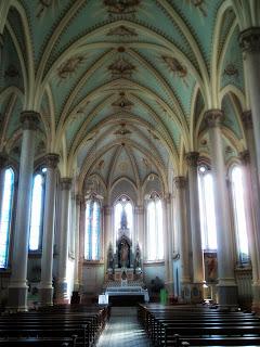 Colunas no Interior da Catedral Nossa Senhora da Oliveira, em Vacaria