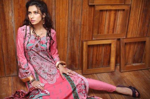 4e8dc55d04 Firdous Linen Winter Collection - Latest Pakistani Fashion Designer 2012  Firdous Winter Collection | Latest Fashion Trends