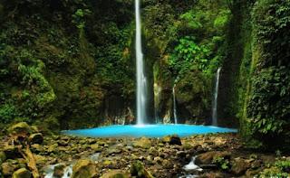Tempat Wisata di  Sumatera Utara air terjun dwi warna sibolangit