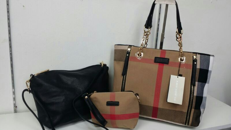 Burberry 3 In 1 Only Rm190
