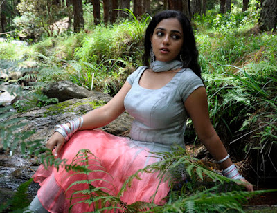 Hot Tamil actress blouse Nithya Menon