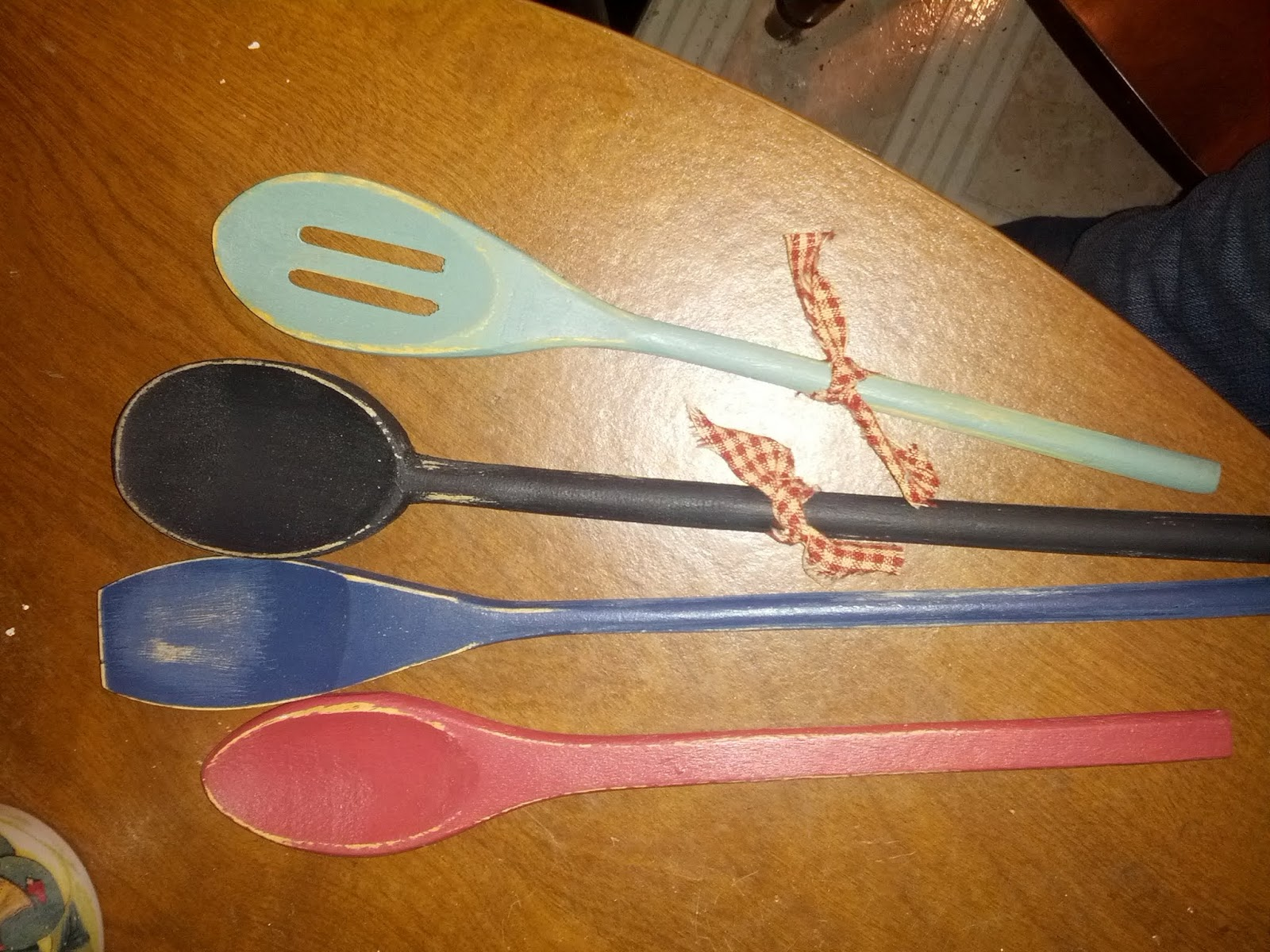 wooden spoons, primitive decor, primitive spoons, material, painted spoons