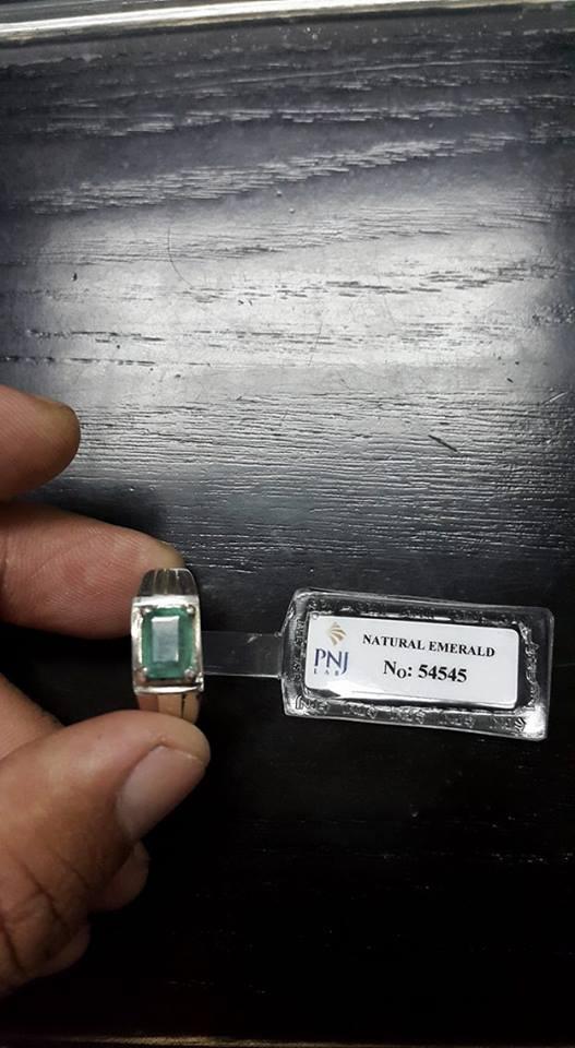 nhẫn đá emerald pnj