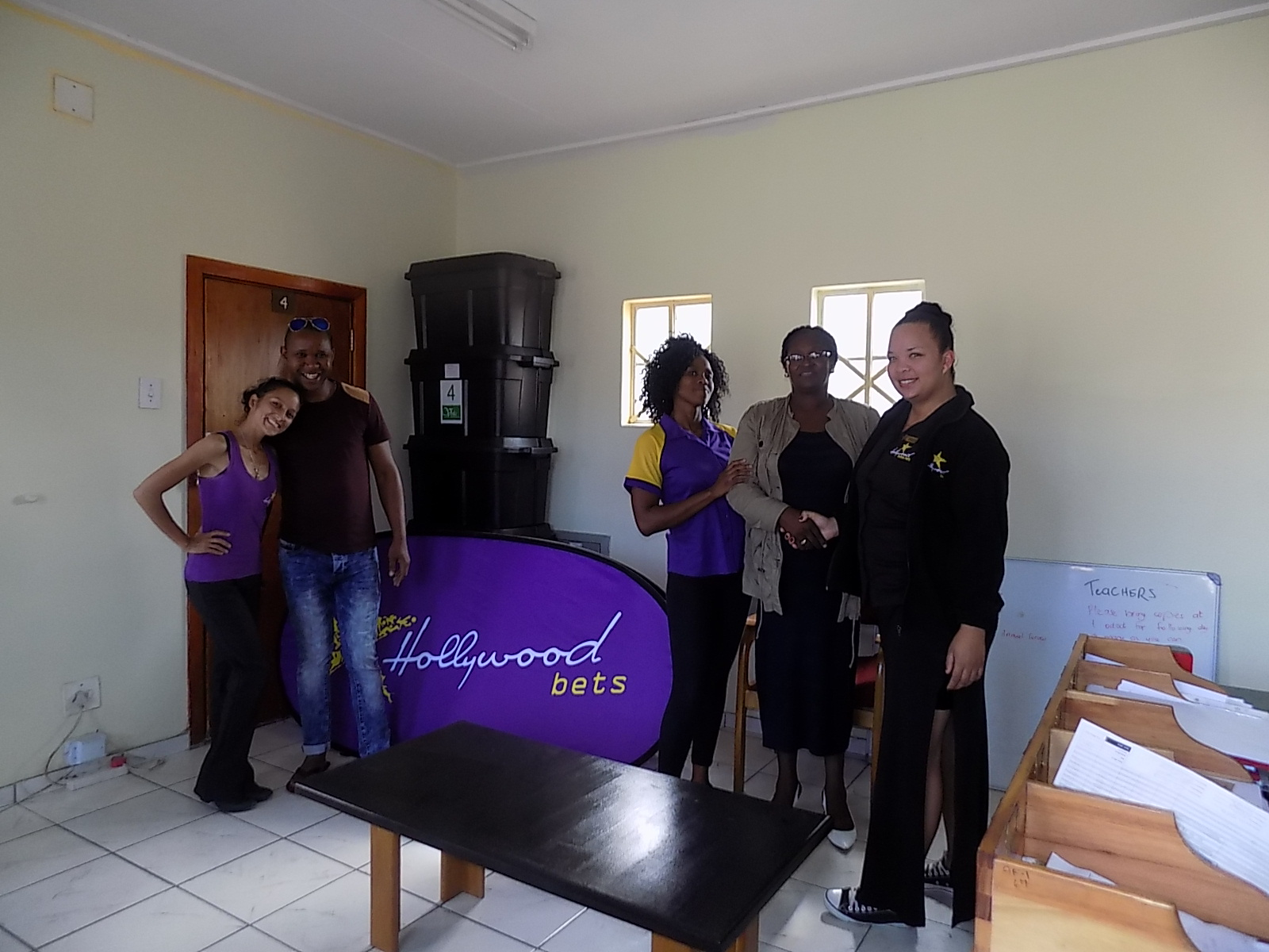 Staff at Kayser Ngxwana Primary School received an office makeover from Hollywoodbets Parliament Street