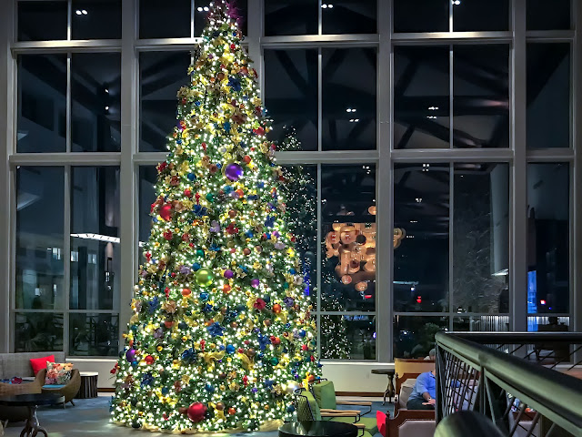 Lowes Sapphire Falls - Main Christmas Tree