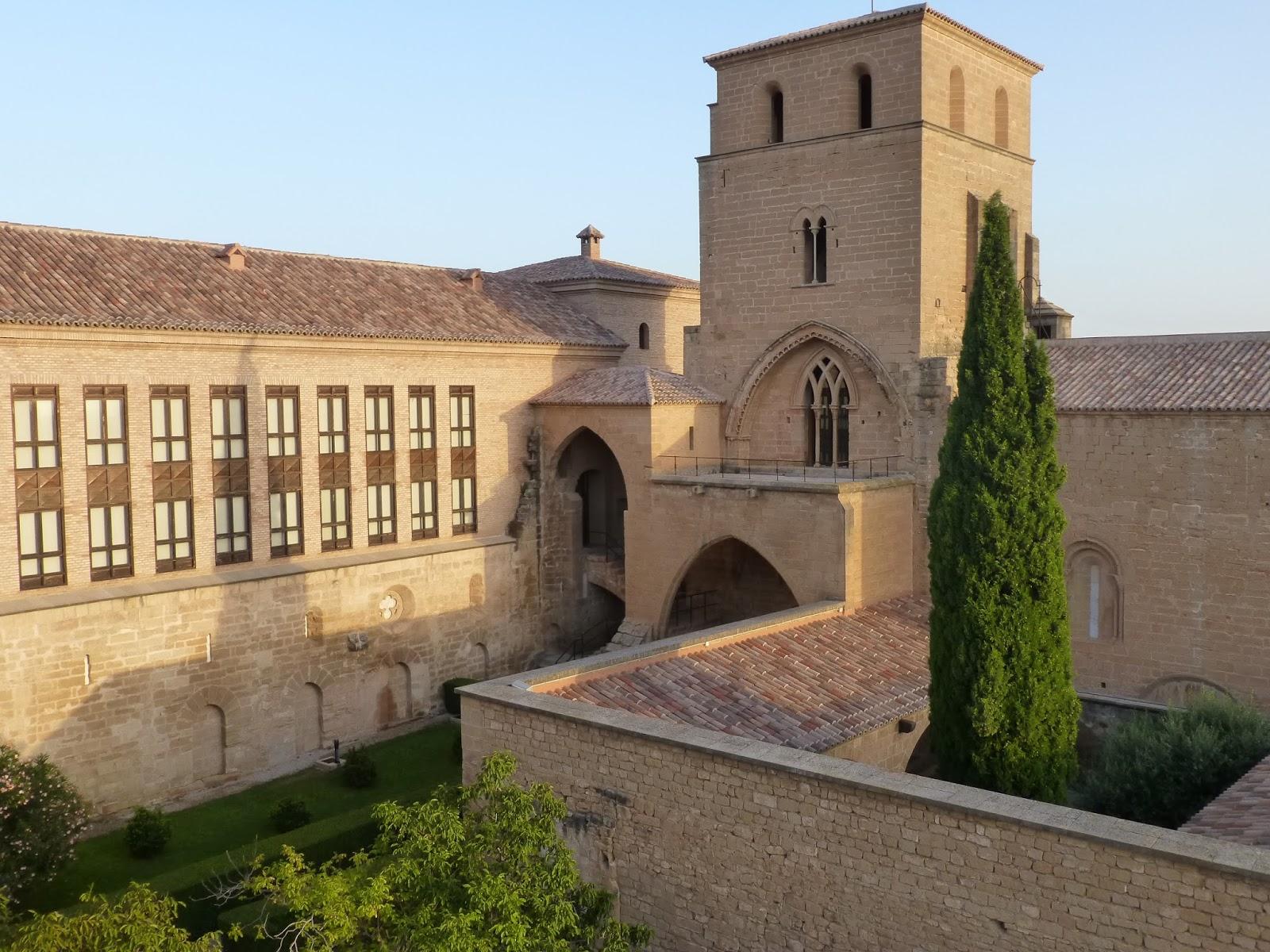 Resultado de imagen de Alcañiz castillo patio