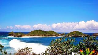 Pantai Tersembunyi di Blitar