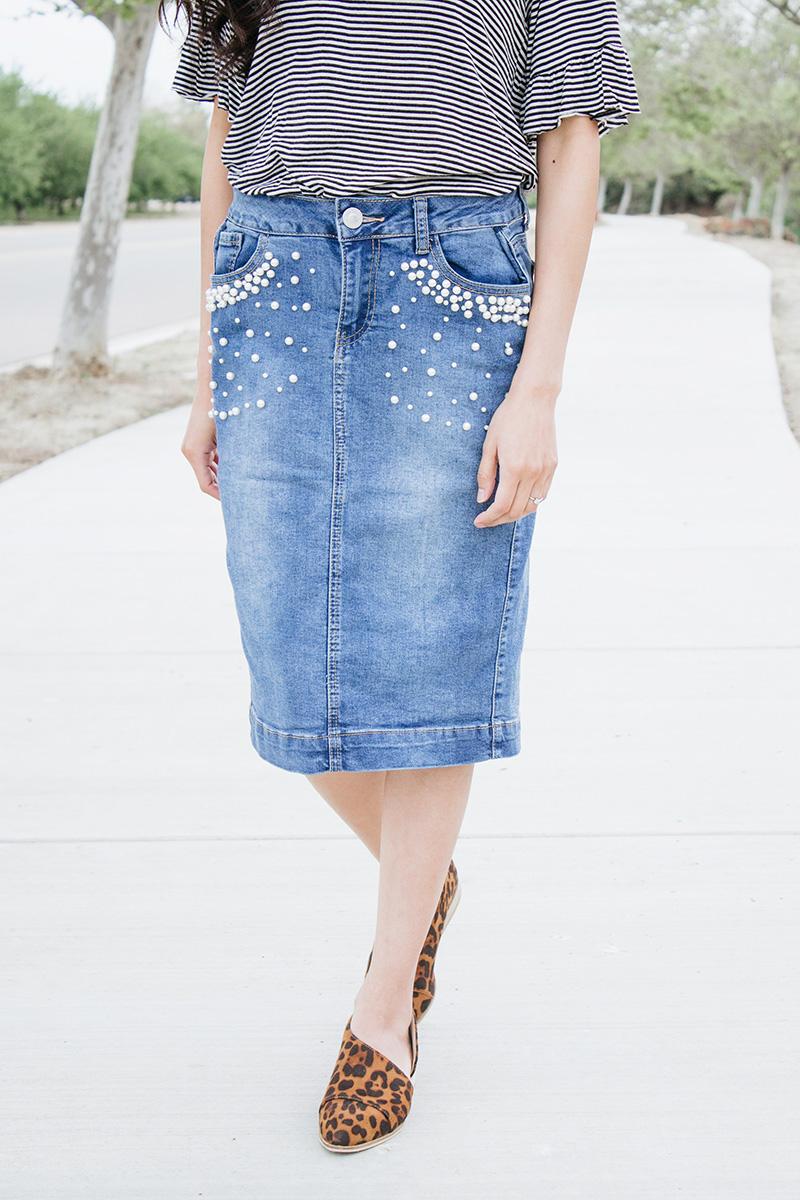 close up pearl denim skirt