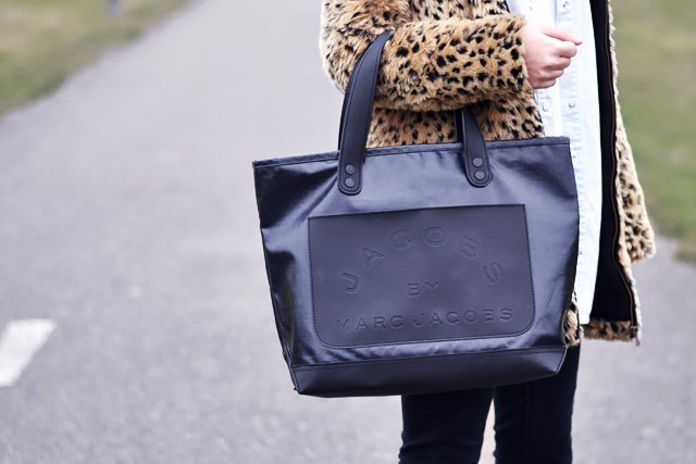 Bookmarc, marc by marc jacobs, bag, denim, tote bag, close up, detail , leopard coat