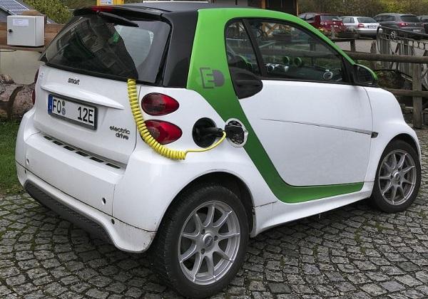 Perbedaan Mobil Hybrid Dan Mobil Listrik