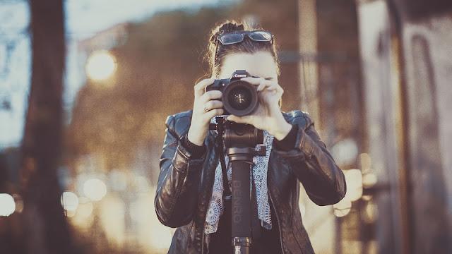 Ingin Membuat Vlog dengan Kamera HP? Simak Tips Memilih Tripod HP Ini