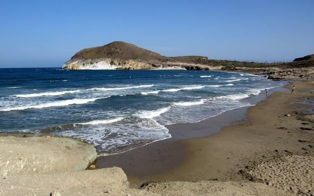 Playa de los Genoveses en Cabo de Gata. Morrón de los Genoveses