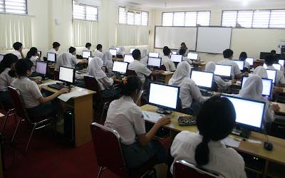 2.353 Peserta Ikuti Ujian Paket C di Karawang