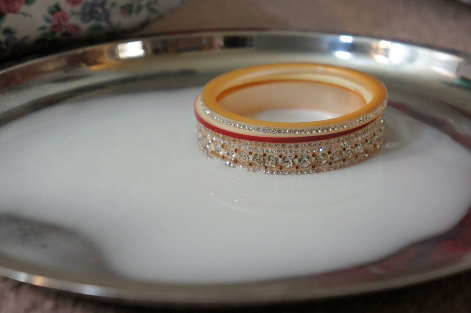 the marriage of two traditions community aggregate reader i present to you a photo essay of the bangle ceremony gokul s sikh wedding and a glimpse of the vedic wedding