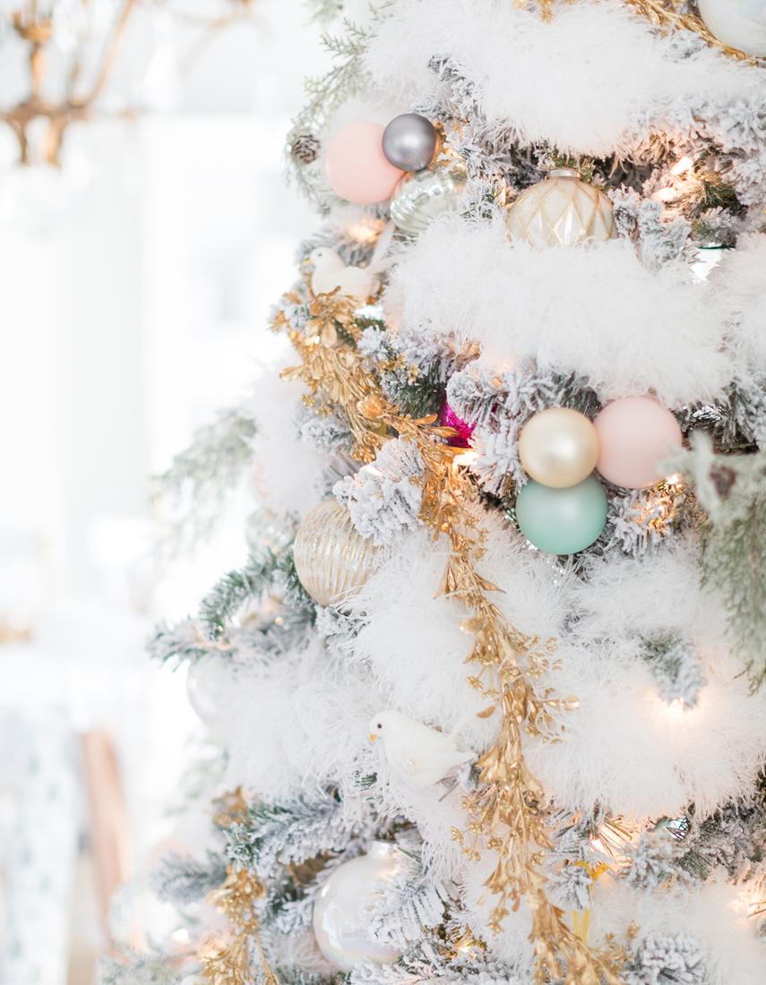 FESTIVE CHRISTMAS TABLESCAPE BY CRAFTBERRY BUSH