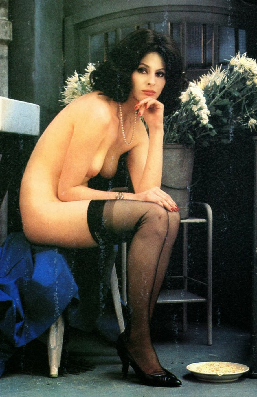 Nude outdoors sophia loren are