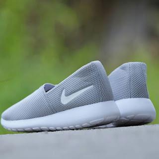 Sepatu Nike Roshe