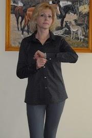 Klasyczna koszula i stalowe jeansy :)