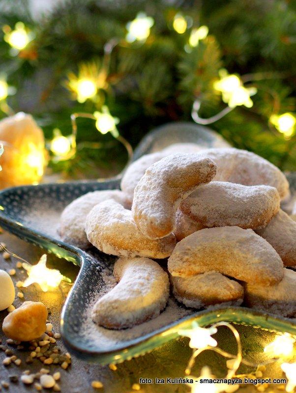 kurabiedes, kourabiedes, maslane, kruchutkie, ciastka greckie, ciasteczka bozonarodzeniowe, z grecji, swiateczne, rozki, polksiezyce