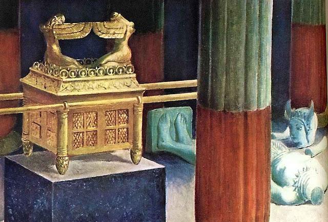 Representação pedagógica apresenta a Arca da Aliança e o ídolo Dagon despedaçado por terra.