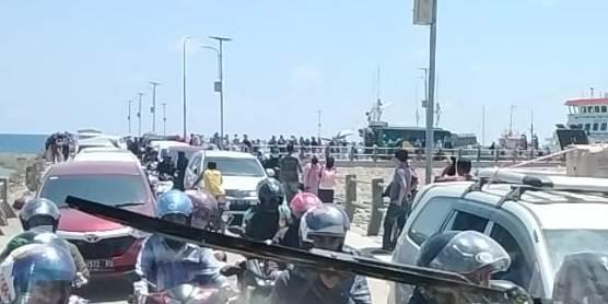Arus Penumpang Fery Dari Selayar Padat, Sebagian Besar Penumpang, Mengaku Pendaftar CPNS Ke  Makassar