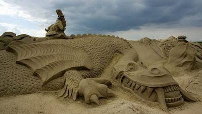 Escultura de arena dragón