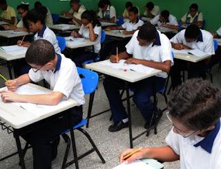 Estudiantes de octavo del Nivel Básico y del cuarto de Media no serán evaluados mediante el sistema de Pruebas Nacionales
