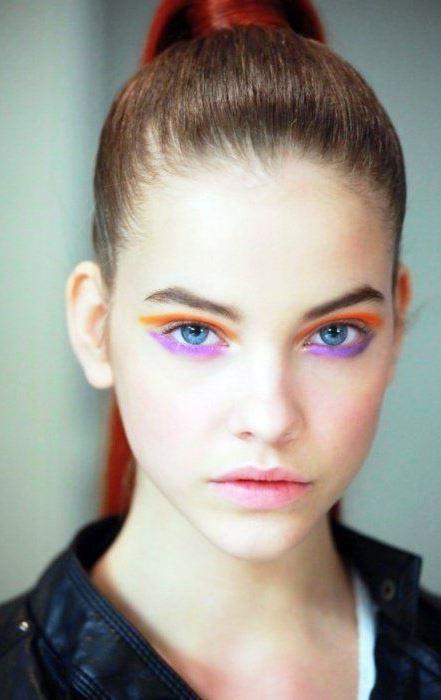 bright eyeliner makeup idea