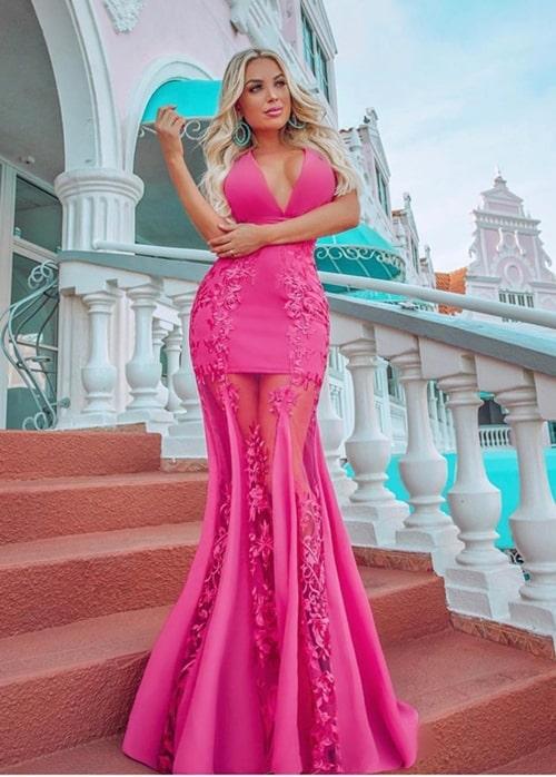 vestido longo pink com transparência nas pernas