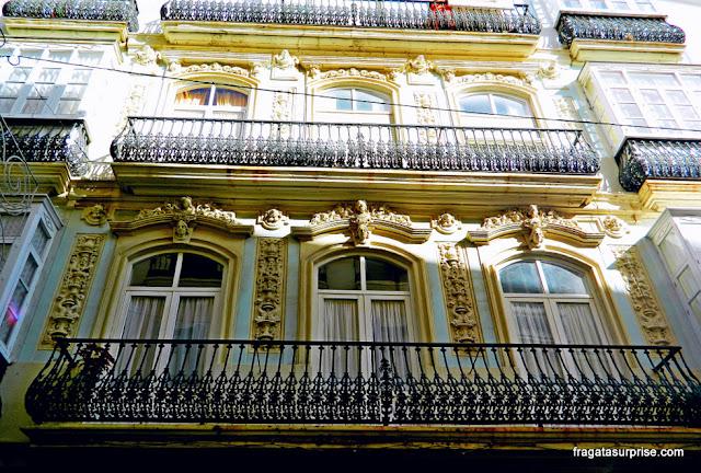 Fachada de um casarão histórico em Cádiz, Andaluzia