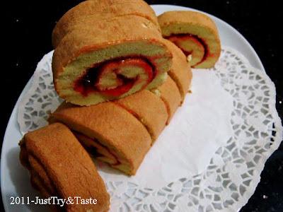 Resep Jelly Roll - Bolu Gulung Strawberry Nan Sedap! JTT