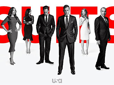 English TV Series Suits Season 1 - 6, Drama Suits ini dilakonkan oleh Gabriel Macht, Patrick J, Adams, Rick Hoffman, Megan Markle, Sarah Rafferty, Gina Torres