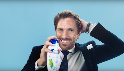 Henrik Lunqvist som gör reklam för Head and shoulders shampoo
