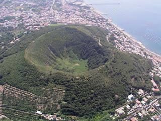 Supervolcán Campos Flégreos - Campi Flegrei