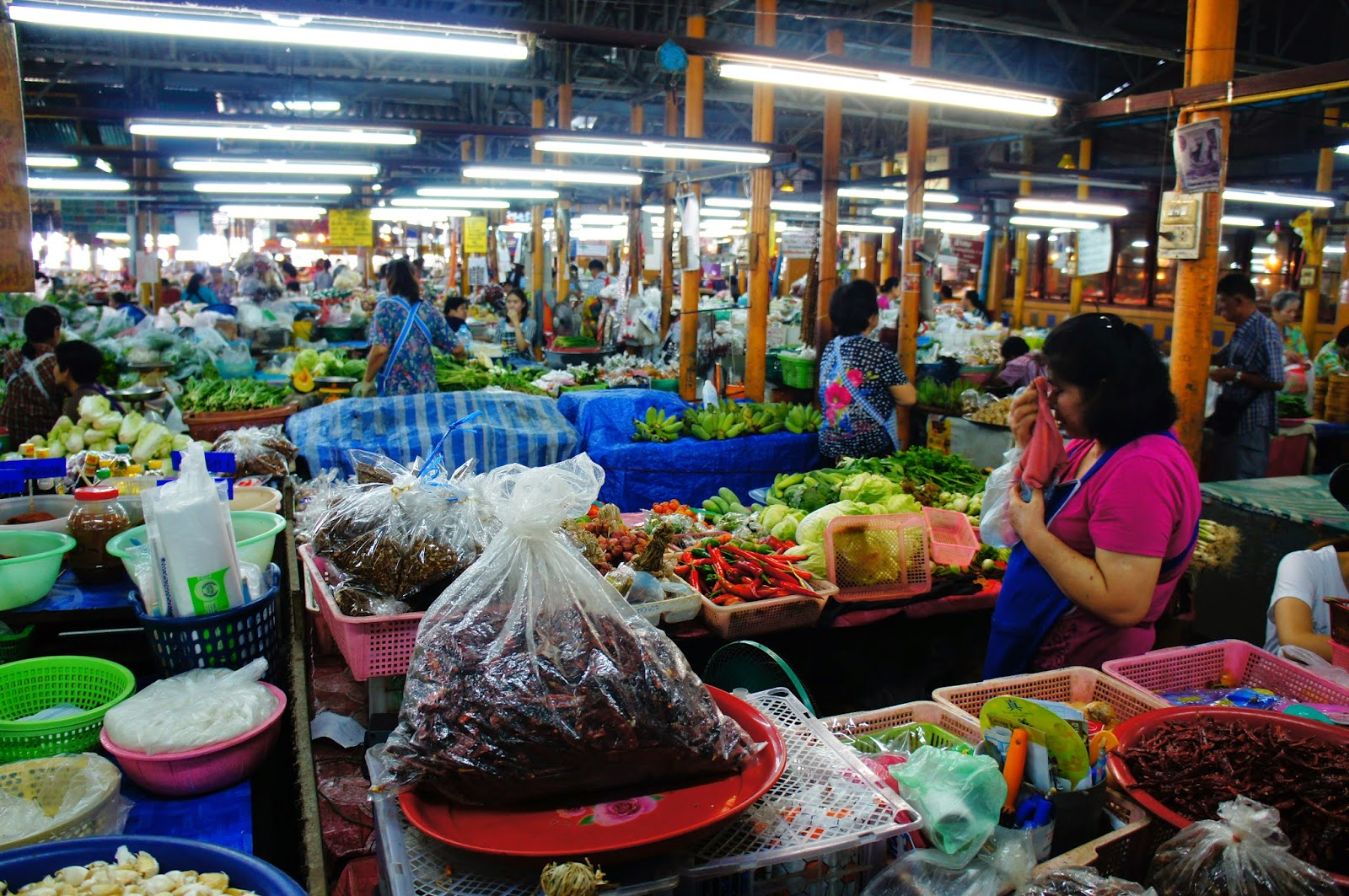 Chiang Mai - The market is huge